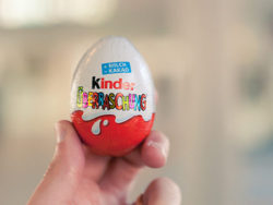 No Kinder Surprise Eggs in the USA for almost 50 years now. The reason: a law adopted in 1938 that prohibits packaging objects inside sweets. Photo: Derek Key / Flickr.com.